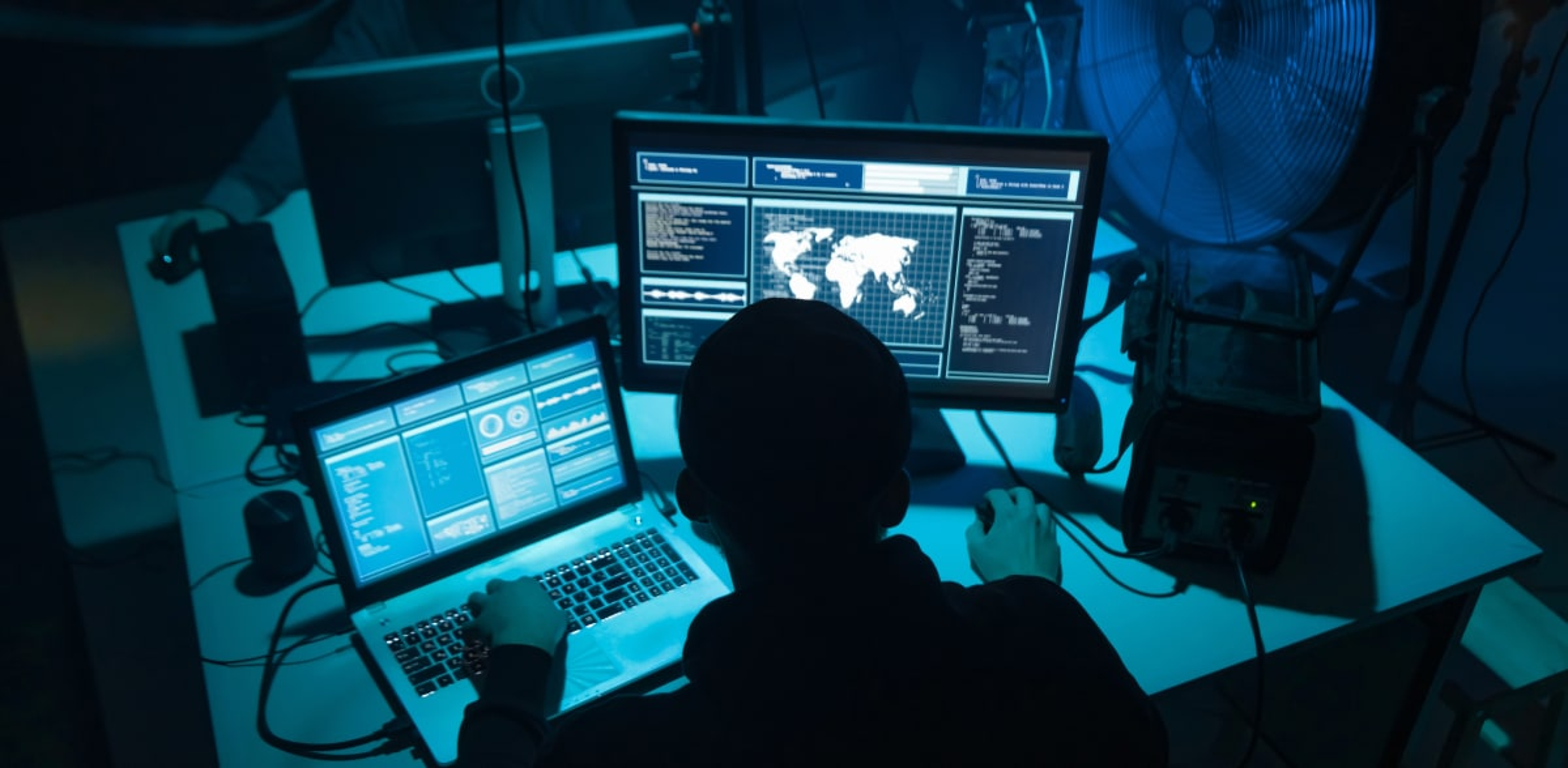 הרעש התקשורתי לא תמיד מלווה במשבר עסקי אמיתי / צילום: Shutterstock