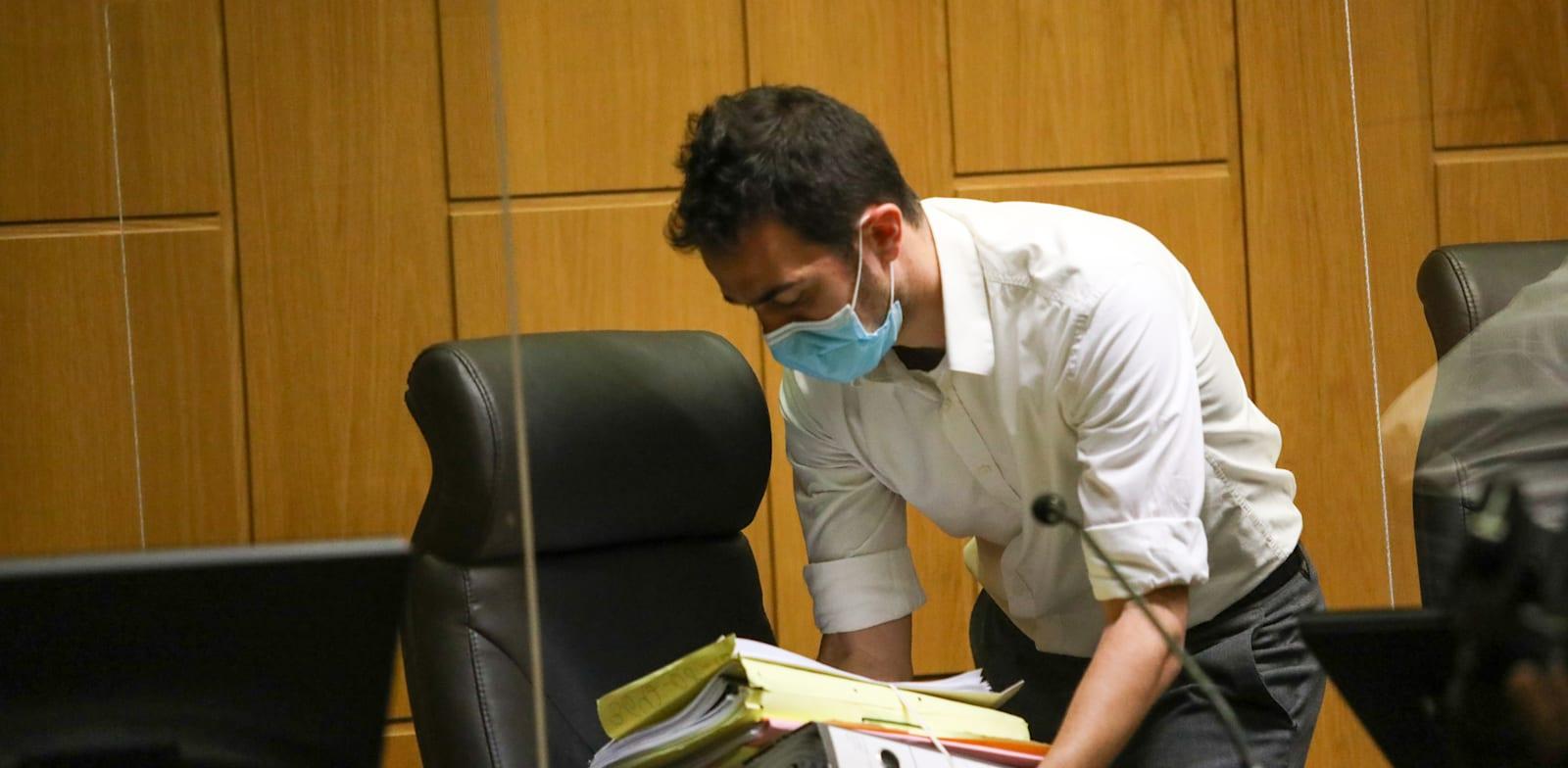 מסמכים בבית משפט. להקל בעומס הכבד על השופטים / צילום: שלומי יוסף