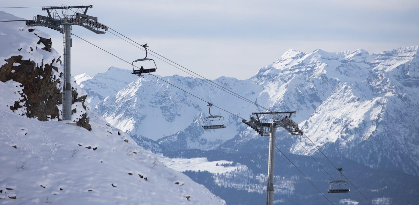 אתר הסקי בוורביה, שווייץ / צילום: Reuters, Raphael Lafargue/ABACAPRESS.COM