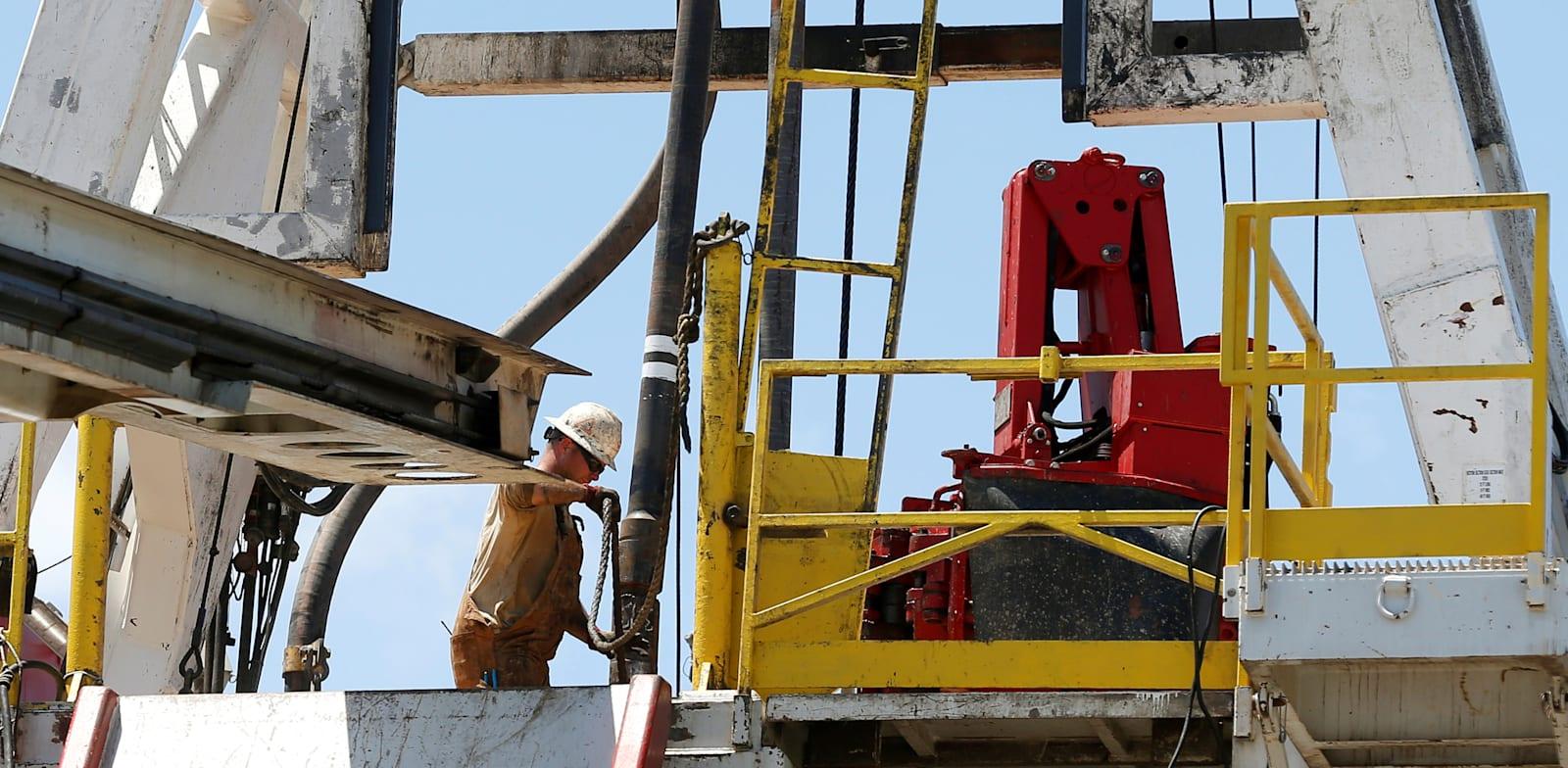 """אסדה של BP בארה""""ב / צילום: Reuters, Jonathan Bachman"""