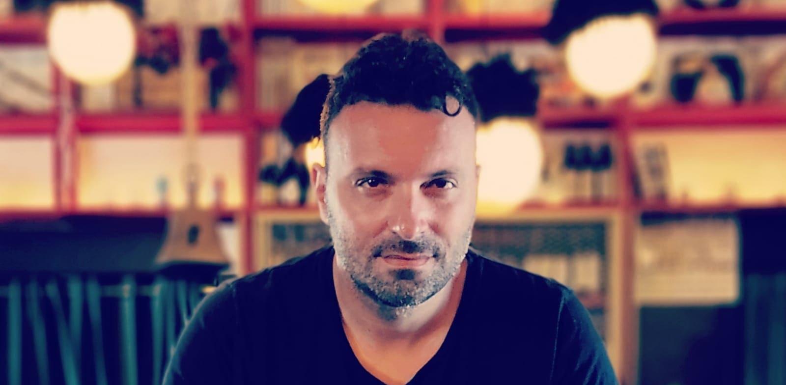 מיקי מיראל, בעלים משותף של מסעדת טש וטשה / צילום: יניב פסקל