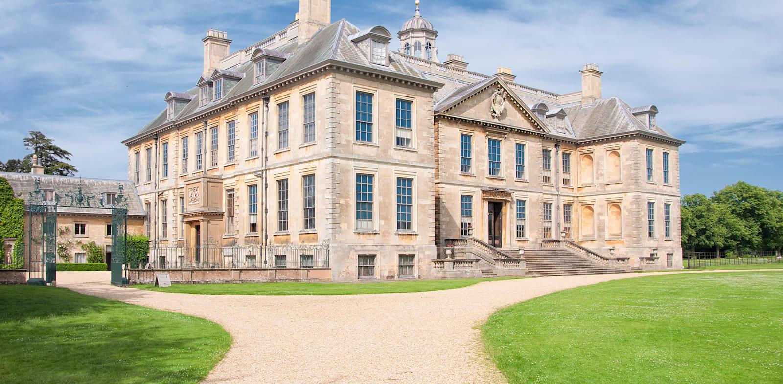 אחוזה בבריטניה. בדרך כלל יש בית קטן נוסף לצוות / צילום: Shutterstock
