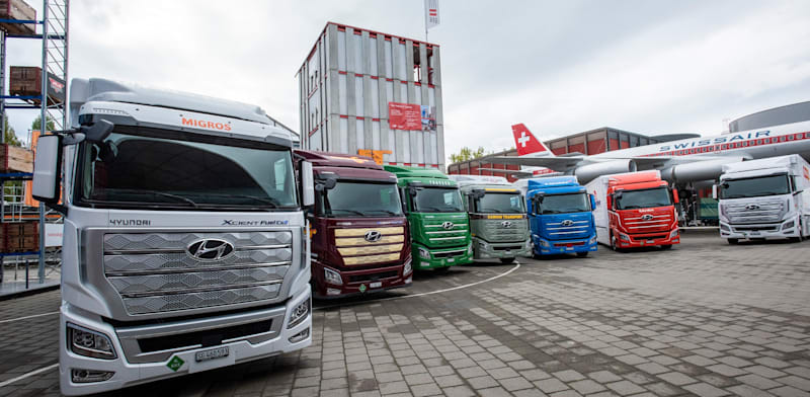 משאיות המימן של יונדאי בטקס השקת הניסוי בשווייץ / צילום: Reuters, Hyundai Motor Co. courtesy / Latin America News Agency