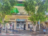 """חנויות סגורות פ""""ת  בגלל סגר במגפת נגיף הקורונה / צילום: תמר מצפי"""