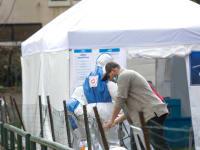 מצביעים במתחם קורונה בבחירות האחרונות / צילום: שלומי יוסף