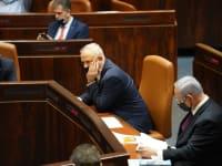 נתניהו וגנץ לפני ההצבעה על פיזור הכנסת / צילום: דוברות הכנסת - דני שם טוב