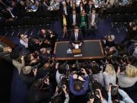 מארק צוקרברג מעיד בפני הסנאט. עוד חזית משפטית נפתחת נגד פייסבוק / צילום: Associated Press, Pablo Martinez Monsivais