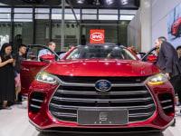 """יצרנית הרכב החשמלי הסינית BYD. דוגמה לחברה שהנפיקה אג""""ח """"ירוקות"""" / צילום: Reuters, dycj"""