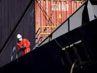 נמל אשדוד. התחרות עם הנמל החדש מאיימת / צילום: Reuters, Amir Cohen