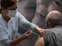 מבצע החיסון בישראל. ייתכן סגר נוסף / צילום: Associated Press, Oded Balilty