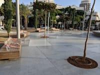 """כיכר דיזנגוף בת""""א חסומה לישיבה / צילום: שני אשכנזי"""