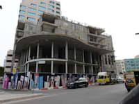 """המבנה בחשמונאים 98 בת""""א. לא קם וכנראה גם לא יקום / צילום: איל יצהר"""