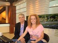 """אורלי וילנאי וגיא מרוז, באולפן """"אורלי וגיא"""" / צילום: By דוד שי - Own work, CC BY-SA 3.0, https://commons.wikimedia.org/w/index.php?curid=27185568"""