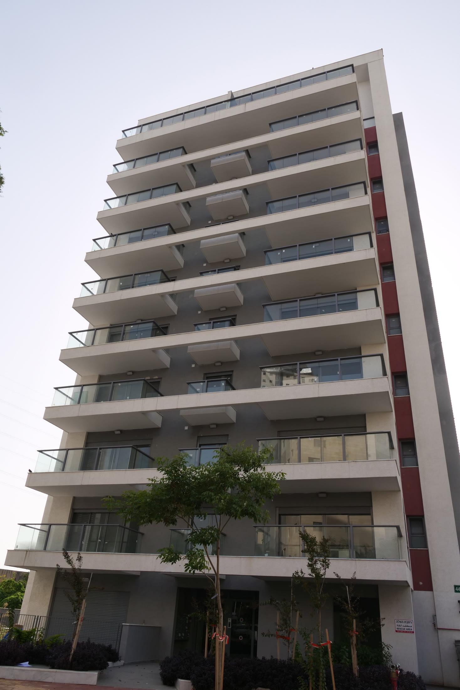הבניין ברחוב נווה יהושע 44 ברמת גן / צילום: תמר מצפי