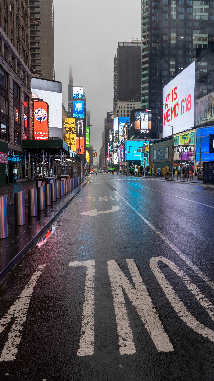 עוצר ברחובות ניו יורק בחודש מרץ / צילום: Reuters, Jonas Gustavsson