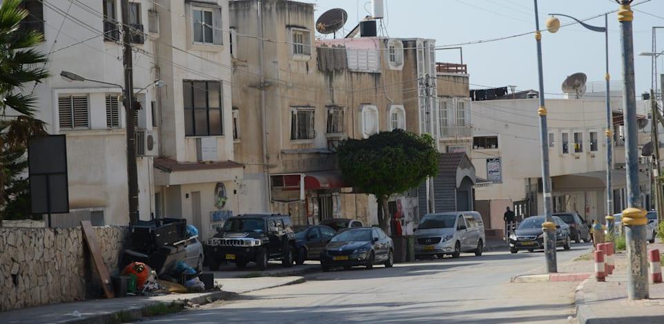 טייבה. רבים מהאזרחים הערביים לא מרגישים שייכות לערים שלהם, והן הפכו לכל היותר למקום שינה / צילום: איל יצהר
