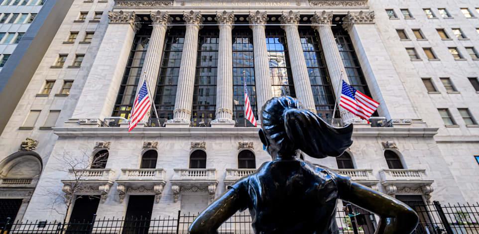 פסל הילדה ללא מורא ליד בורסת ניו יורק / צילום: Reuters, Erik McGregor/Sipa USA
