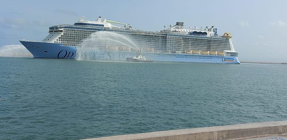 אוניית אודיסי אוף דה סי בנמל חיפה / צילום: נמל חיפה