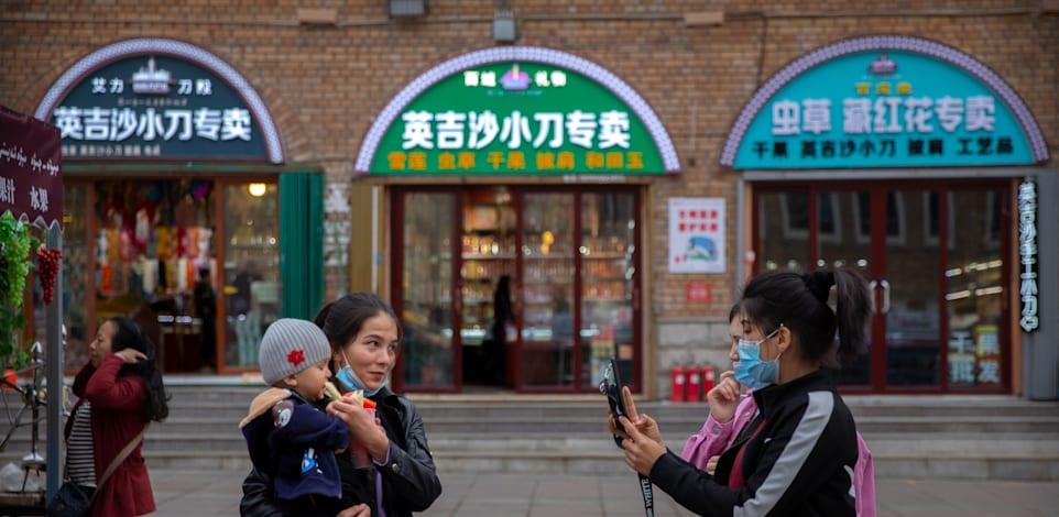 נשים בסין. המדינה עומדת בפני עתיד דמוגרפי מטריד / צילום: Associated Press, Mark Schiefelbein