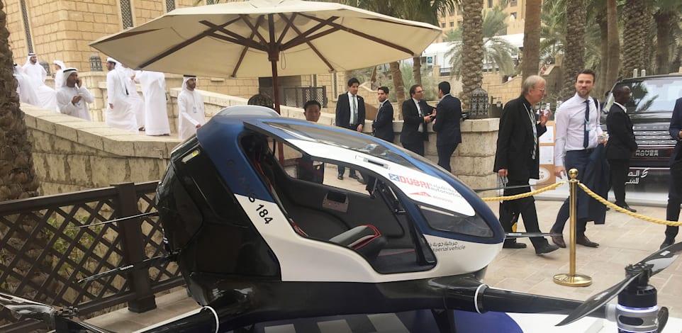 אחד הפיתוחים למונית אוטונומית שהוצג בכנס עולמי שנערך בדובאי לפני שלוש שנים / צילום: Associated Press, Jon Gambrell