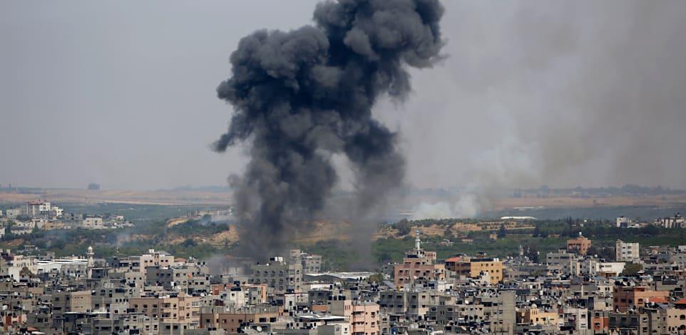חיל האוויר תוקף בעזה בתקופה על מטחי הרקטות על ישראל / צילום: Associated Press, Hatem Moussa