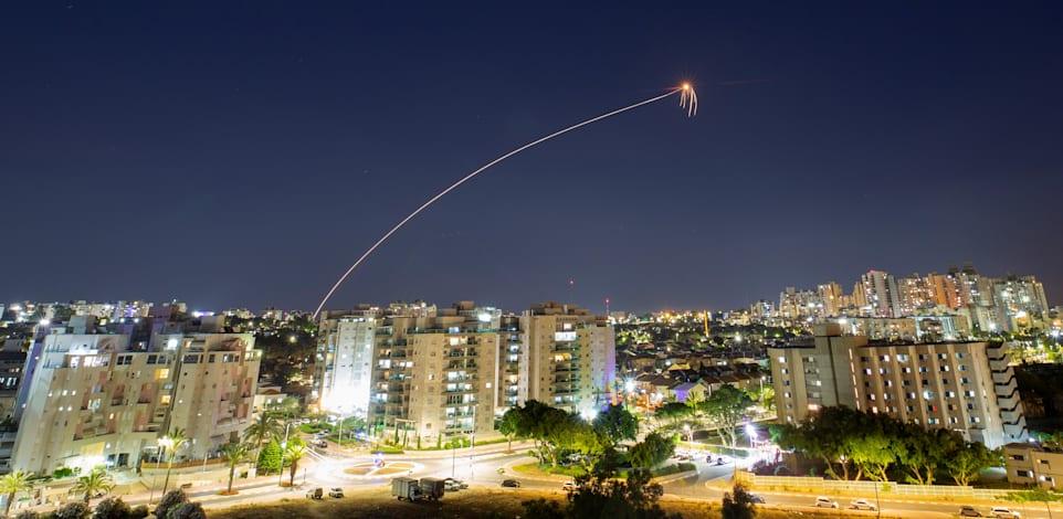 יירוט של כיפת ברזל באשקלון הערב / צילום: Reuters, Amir Cohen