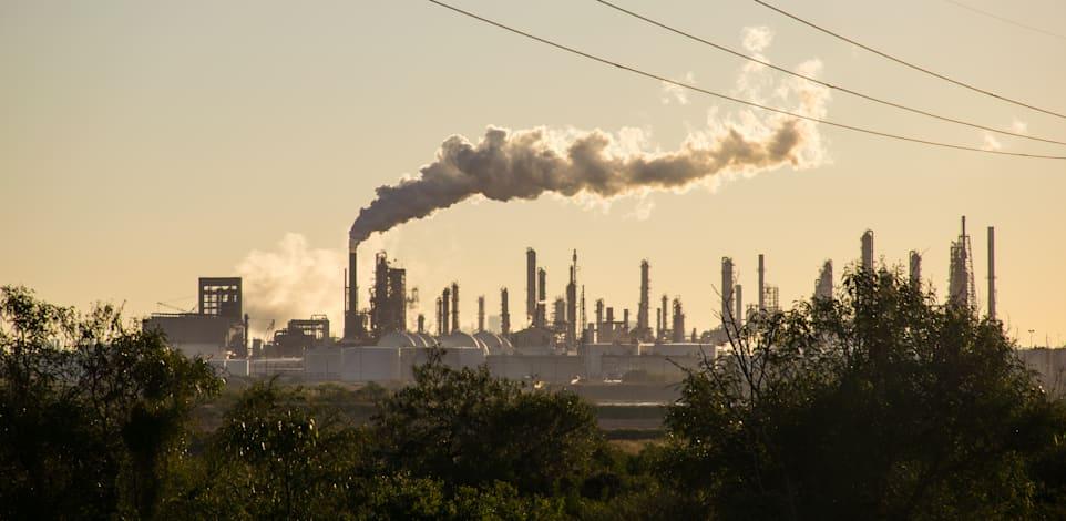 גם המדינות העשירות יצטרכו להתמודד עם תוצאות כלכליות הרסניות של טיפוס הטמפרטורות / צילום: Shutterstock, Roschetzky Photography
