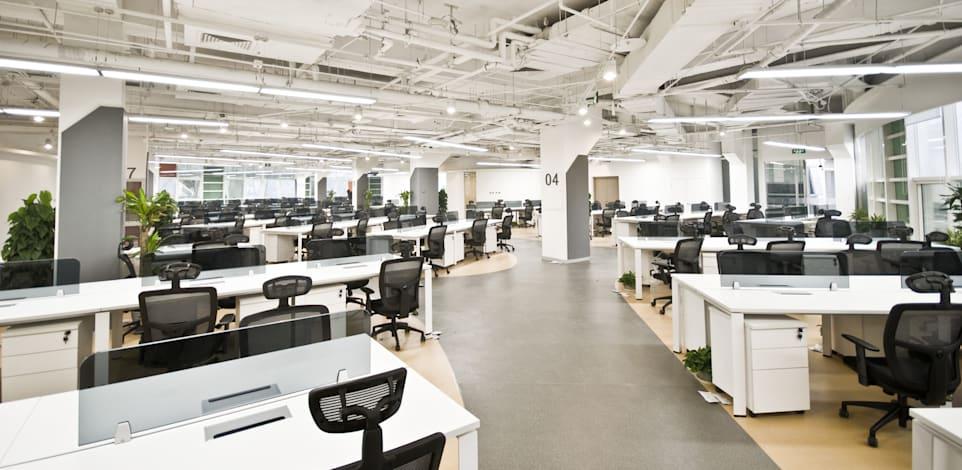 משרד. ימי חול המועד נחשבים ימי עבודה רגילים / צילום: Shutterstock, luchunyu