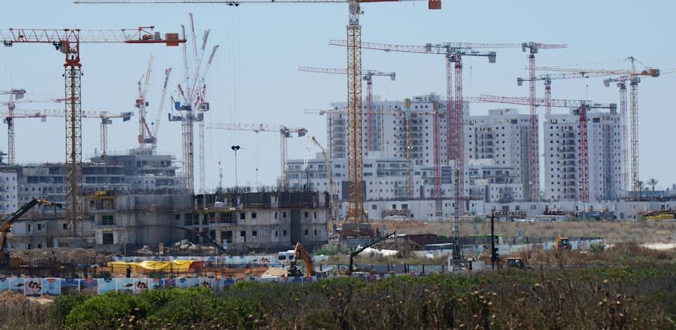 בנייה באשקלון / צילום: איל יצהר