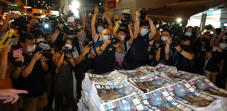 מכה לדמוקרטיה בהונג קונג