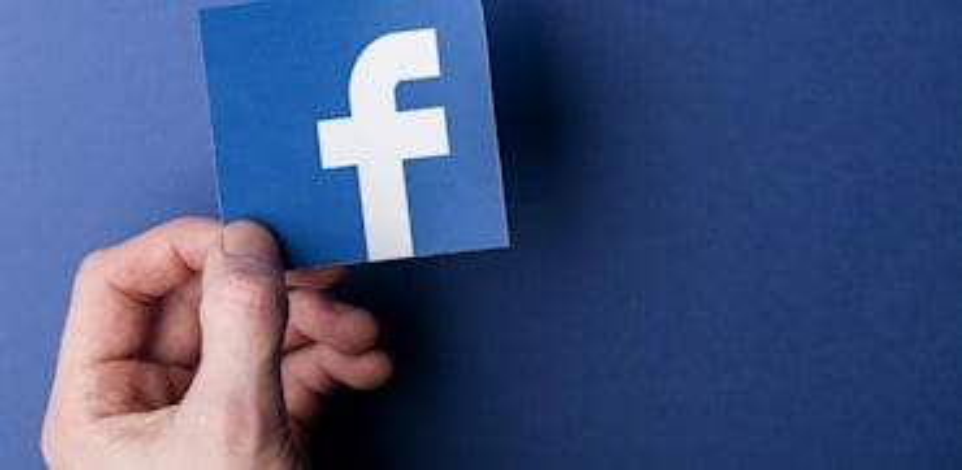 פייסבוק / אילוסטרציה: Shutterstock, Ink Drop