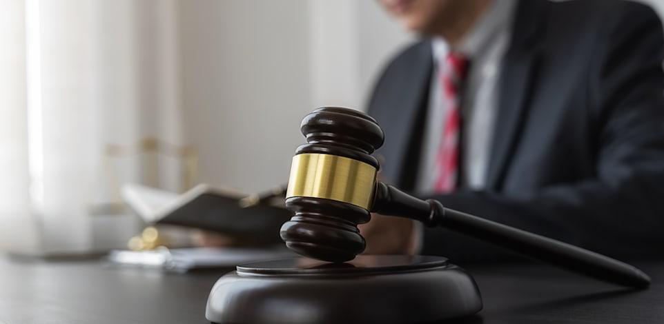 יש לא מעט שאלות לא פתורות בחוק האפוטרופסות שדורשות הליך לגליזציה וצריך שמישהו ירים את הכפפה. / צילום: Shutterstock, PIC SNIPE