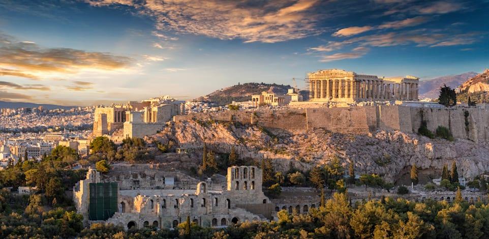 יוון. עשויה להיכנס לרשימת המדינות שעל השבים מהן יידרש בידוד / צילום: Shutterstock, Sven Hansche