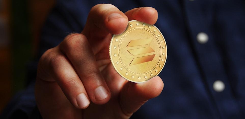 מטבע סולנה. ערכו עלה פי 200 יותר מהצמיחה של הביטקוין השנה / צילום: Shutterstock, Skorzewiak