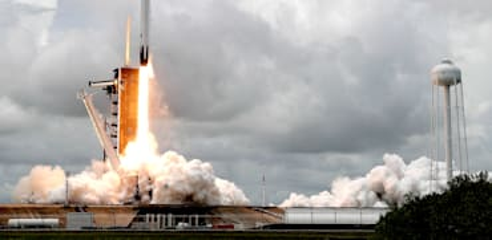 משגר פאלקון 9 של SpaceX / צילום: Associated Press, John Raoux