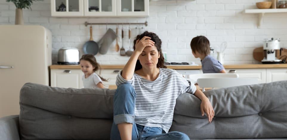 הורים לילדים שילמו ומשלמים מחיר כבר בקורונה / צילום: Shutterstock, fizkes