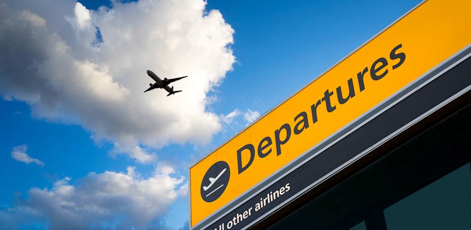 נמל התעופה היתרו בלונדון. חברות התעופה מוחות על ייקור של 90% במס שהוא גובה מהן / צילום: Shutterstock