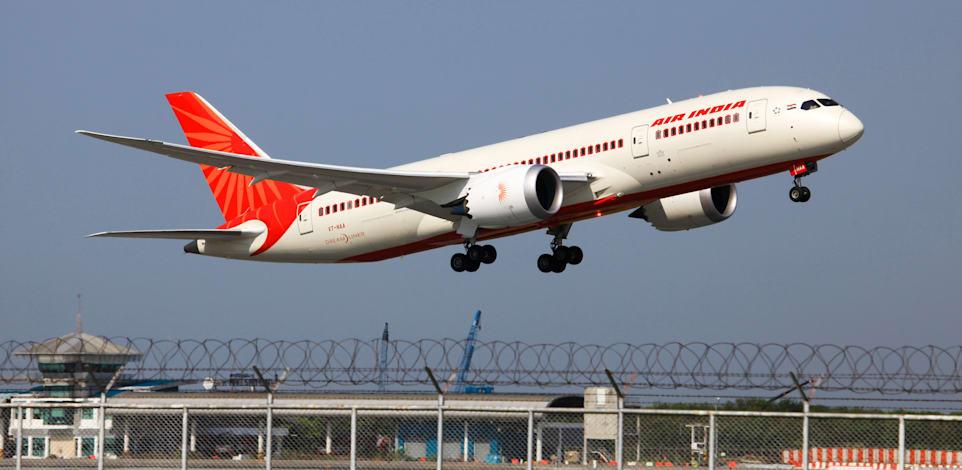 מטוס של אייר אינדיה ממריא מבנגקוק. החברה הייתה זמן רב על המדף / צילום: Shutterstock, Komenton