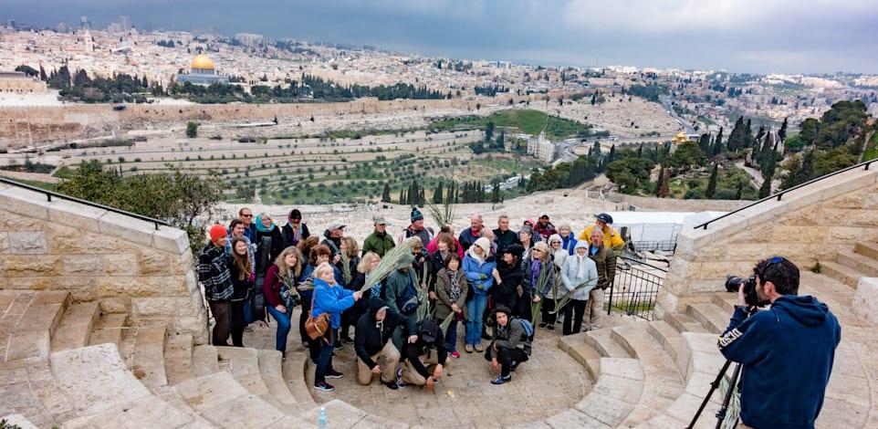 קבוצת תיירים בירושלים / צילום: Shutterstock