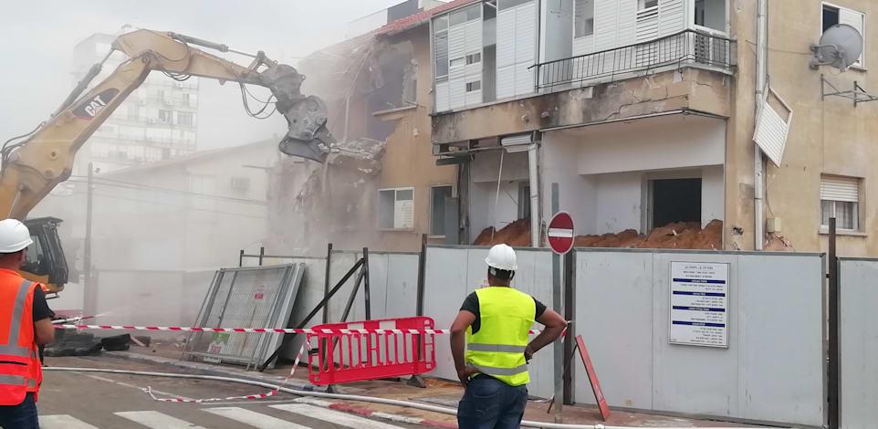 בניין ישן ברמת גן נהרס במסגרת פינוי בינוי / צילום: טלי בוגדנובסקי