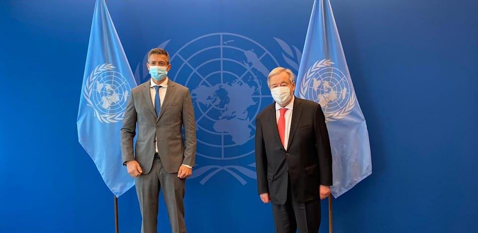 מזכ''ל האו''ם אנטוניו גוטרש ושר התקשורת יועז הנדל / צילום: דוברות משרד התקשורת