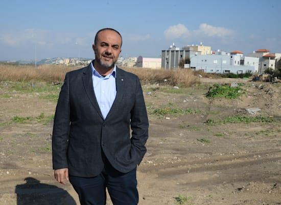 ראש המועצה ג'סר א-זרקא עמאש מוראד / צילום: איל יצהר