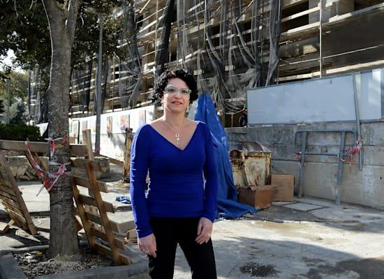 """עינת גנון, סמנכ""""לית הרשות להתחדשות עירונית / צילום: איל יצהר"""