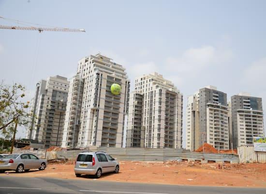 """דירות בבנייה. מדד הנדל""""ן מזנק / צילום: תמר מצפי"""