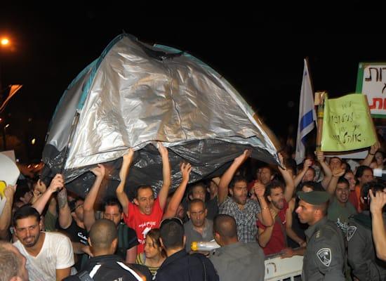 הפגנת נגד יוקר הדיור בקיץ 2011 / צילום: איל יצהר