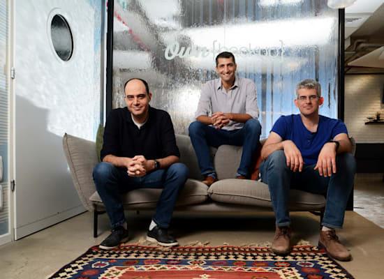 מייסדי OwnBackup: אורי ינקילב ואריאל ברקמן; ורועי דובר, סגן נשיא להנדסה / צילום: איל יצהר