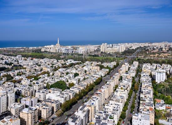 דרך נמיר בתל אביב / צילום: Shutterstock, Boris-B