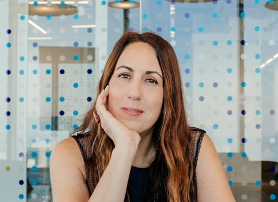 """דנה הרדוף, סמנכ""""לית Logz.io / צילום: Fabiana Kocubey"""