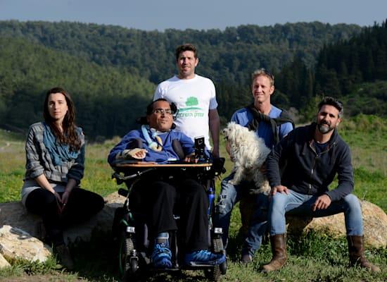 מימין: אוריאל בן־צבי, יונתן ניר, אילן הראל, רז רוטמן ויעל זמיר. אנשי צוות המאבק / צילום: איל יצהר