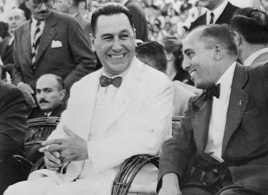 חואן פירון (בחליפה הלבנה) / צילום: Associated Press